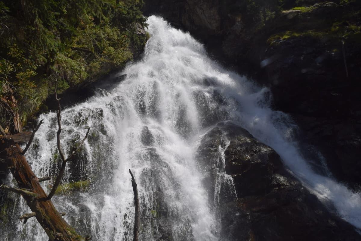 The Jahaz Banda waterfalls.