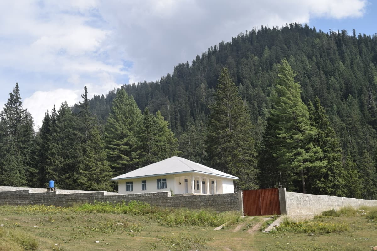 The 'Barr Goay' forest rest house.