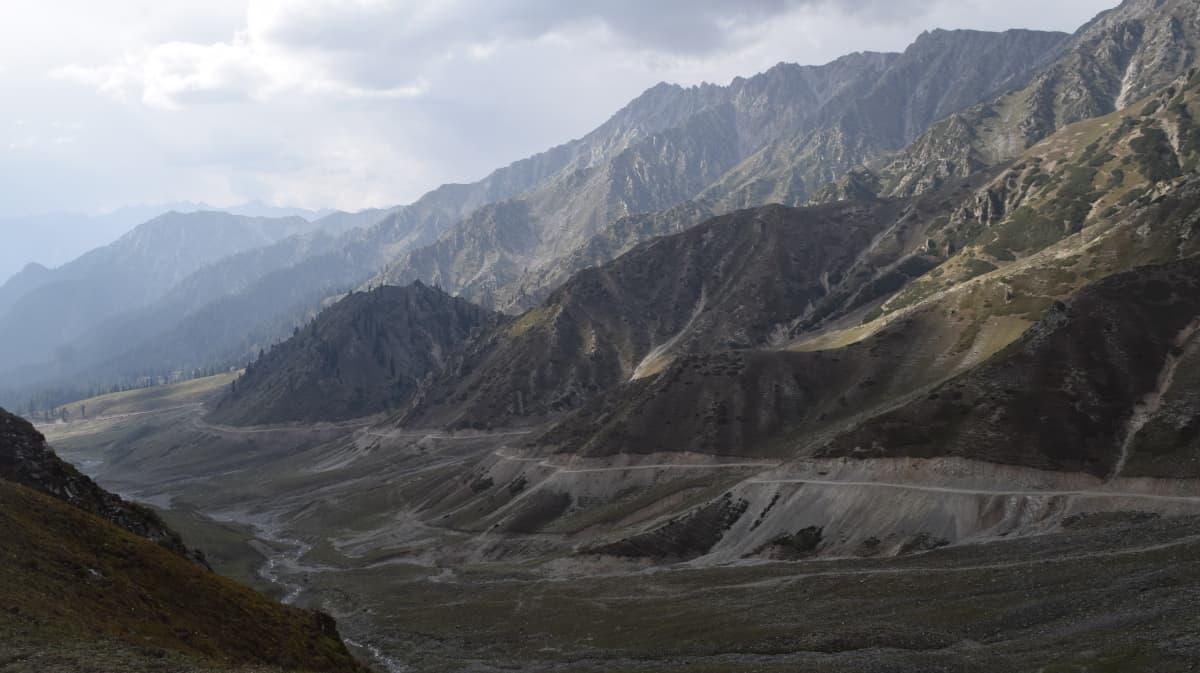 Dir valley from Badawai top.