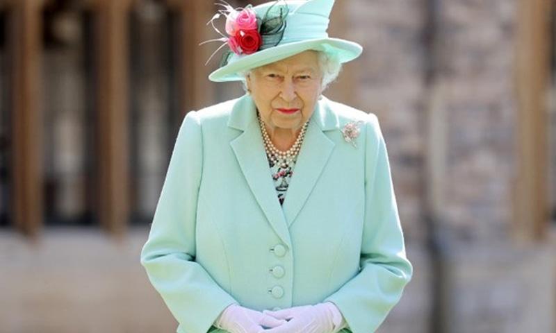 بارباڈوس کا ملکہ الزبتھ کو ریاستی سربراہ کے عہدے سے ہٹانے کا فیصلہ
