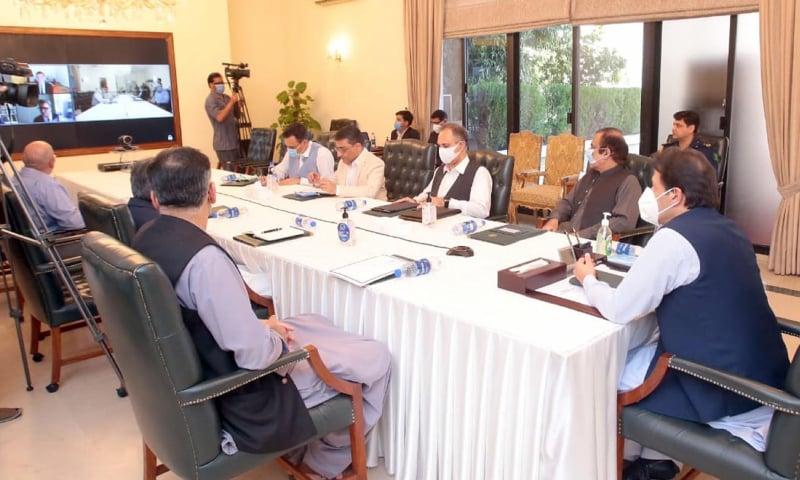 توانائی کا شعبہ ملک کی معاشی و اقتصادی ترقی میں کلیدی حیثیت رکھتا ہے، وزیر اعظم — فوٹو: پی آئی ڈی