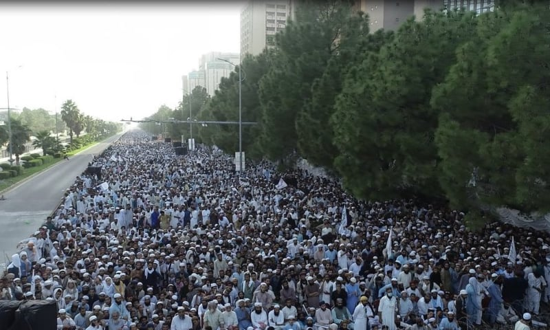 A view of the Azmat-i-Sahaba march held in Islamabad on Thursday. — Photo courtesy: Twitter