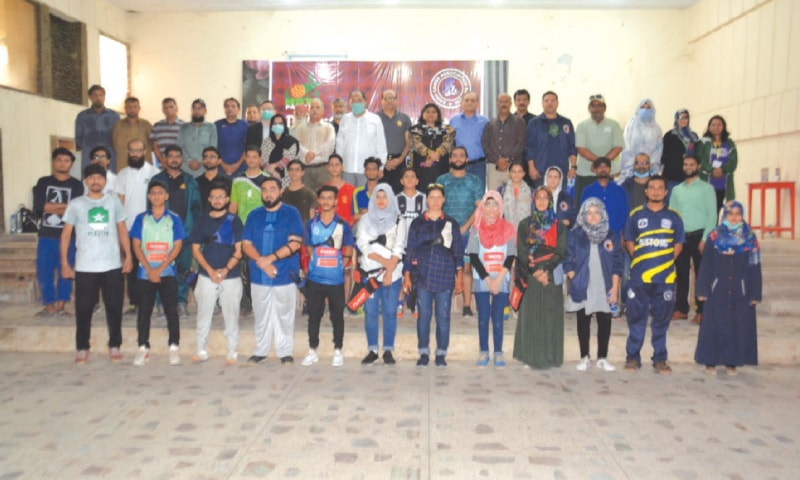 KARACHI: Participating players are seen with Indonesian Consul General Totok Priyanomoto and other SGA officials after the Sports Festival on Sunday.