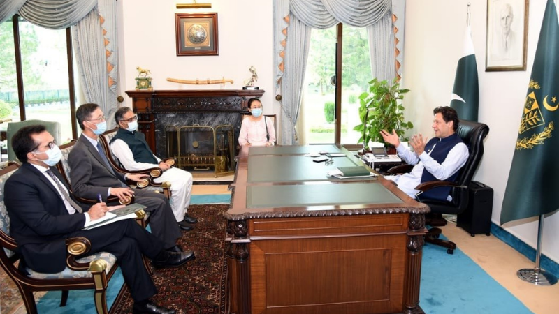 Prime Minister Imran Khan meets  the Chinese ambassador, who paid a farewell call on him on Monday. — PM Office Twitter