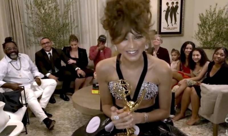 زینڈیا 'ایمی' ایوارڈ جیتنے والی کم عمر ترین اداکارہ بن گئیں