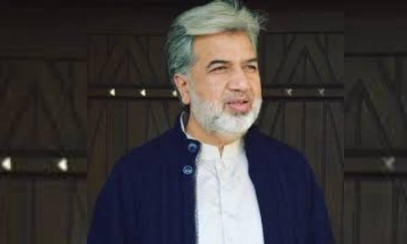 مارننگ شو میں ورزش کرتی خاتون سے متعلق ٹوئٹ کرنا صحافی انصار عباسی کو مہنگا پڑ گیا