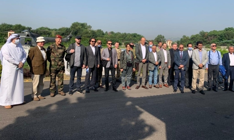 Diplomats visit LoC, meet victims of Indian shelling
