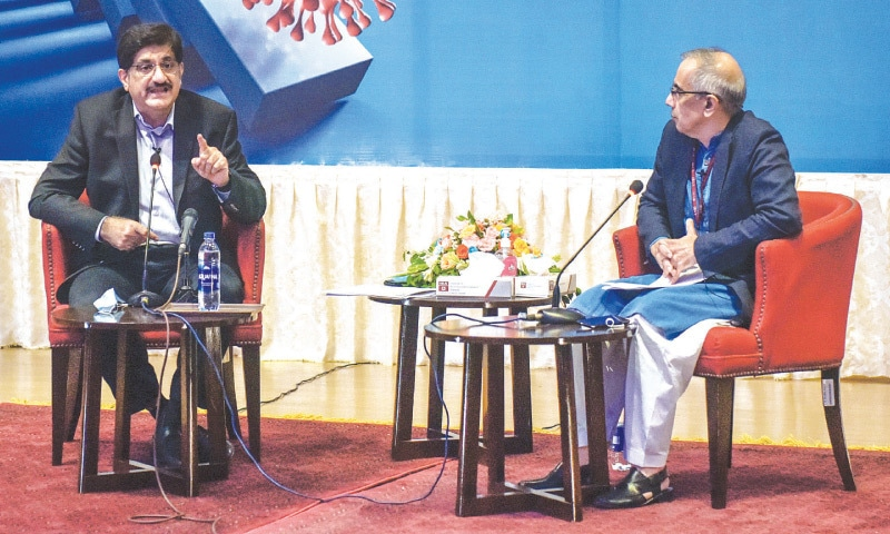 MURAD Ali Shah in discussion with S. Akbar Zaidi at IBA on Thursday.—Fahim Siddiqi/White Star