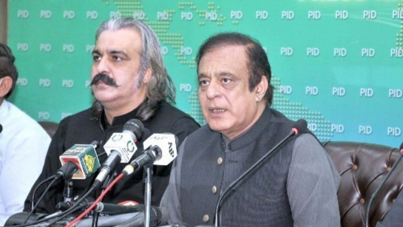 Federal Minister for Information and Broadcasting, Shibli Faraz along with Federal Minister for Kashmir Affairs and Gilgit-Baltistan, Ali Amin Gandapur addresses a press conference in Islamabad. — APP