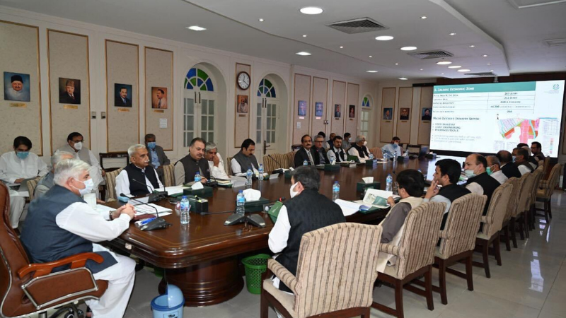 Khyber Pakhtunkhwa Chief Minister Mehmood Khan chairing a meeting on Sept 30. — Photo courtesy: PTI Twitter