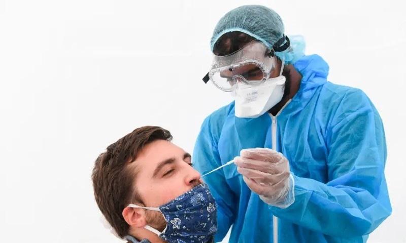 فیس ماسک اور سماجی دوری کورونا وائرس کی روک تھام کیلئے ضروری کیوں؟