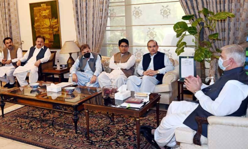 Chief Minister Mahmood Khan chairs a meeting of the cabinet committee on Sunday. — Photo courtesy RadioPak