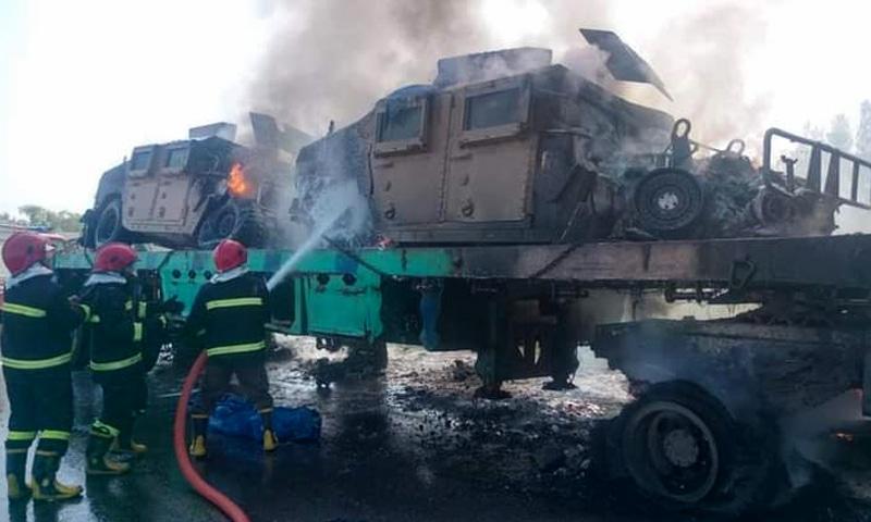 خیبر پختونخوا: نامعلوم مسلح افراد نے 2 نیٹو کنٹینرز کو آگ لگادی