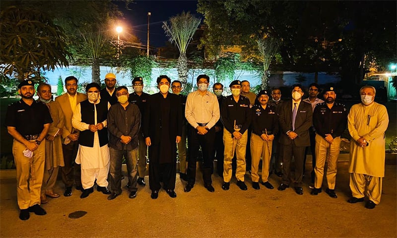 PPP chief Bilawal Bhutto-Zardari and Sindh CM Murad Ali Shah stand with senior Sindh police officials. — Photo courtesy PPP chief Bilawal's Twitter account