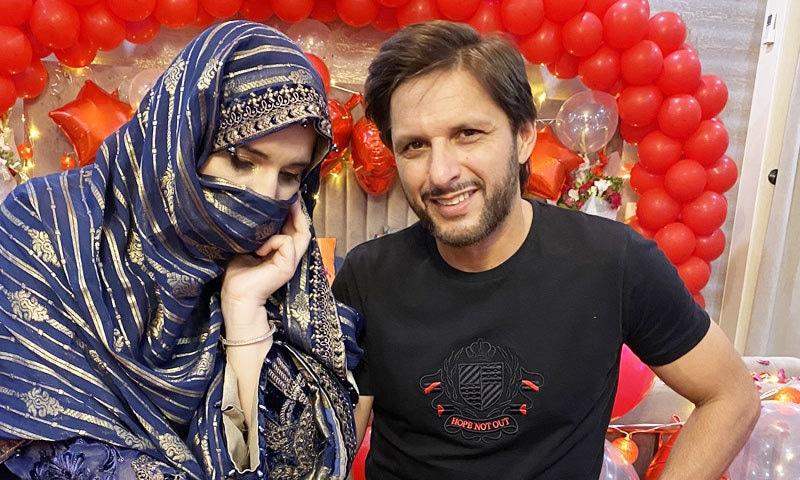 دونوں نے 21 اکتوبر 2000 میں شادی کی تھی—فوٹو: شاہد آفریدی ٹوئٹر