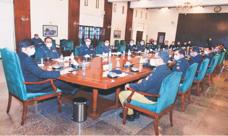 Chief Minister Murad Ali Shah meets the province's senior police officers, led by the IGP, at CM House on Wednesday.—PPI