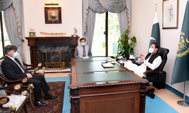 Attorney General for Pakistan (AGP) Khalid Javed Khan calls on Prime Minister Imran Khan on Wednesday. — PID