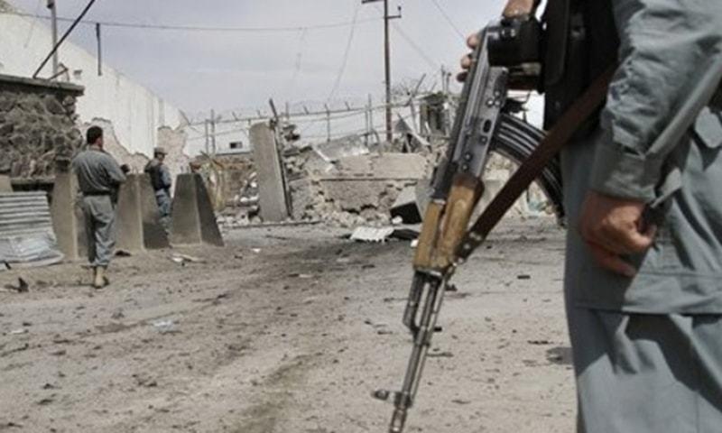 افغان وزارت دفاع نے کہا کہ حملے میں متعدد کمانڈرز سمیت 12 طالبان کو مار دیا گیا ہے—فائل فوٹو: اے پی