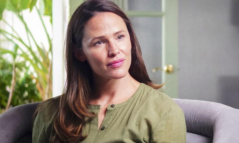 شادی سے بچوں اور پھر طلاق تک فوٹوگرافرز پیچھا کرتے رہے، اداکارہ—اسکرین شاٹ/ پی بی ایس میڈیا