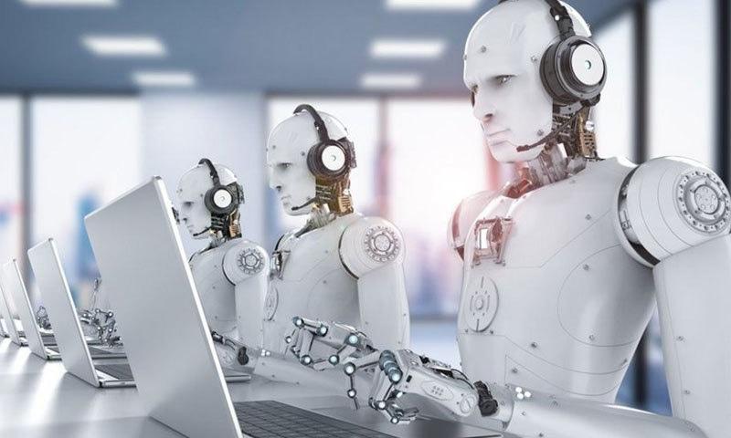روبوٹ ڈیٹا انٹری اور آڈٹ کے کام بھی کرتے دکھائی دیں گے—فائل فوٹو: اے ایف پی