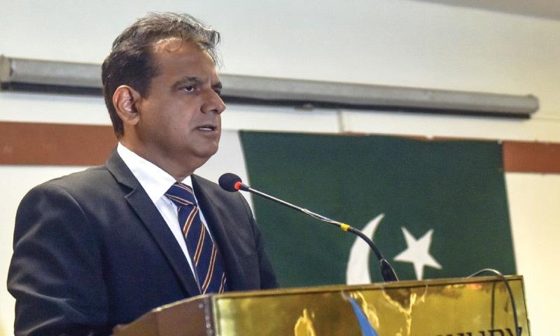 Iftikhar Shallwani speaks at the event.—White Star
