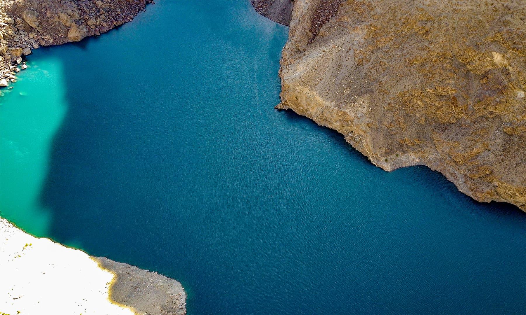 جھیل کی بلندی 9 ہزار 200 فٹ ہے