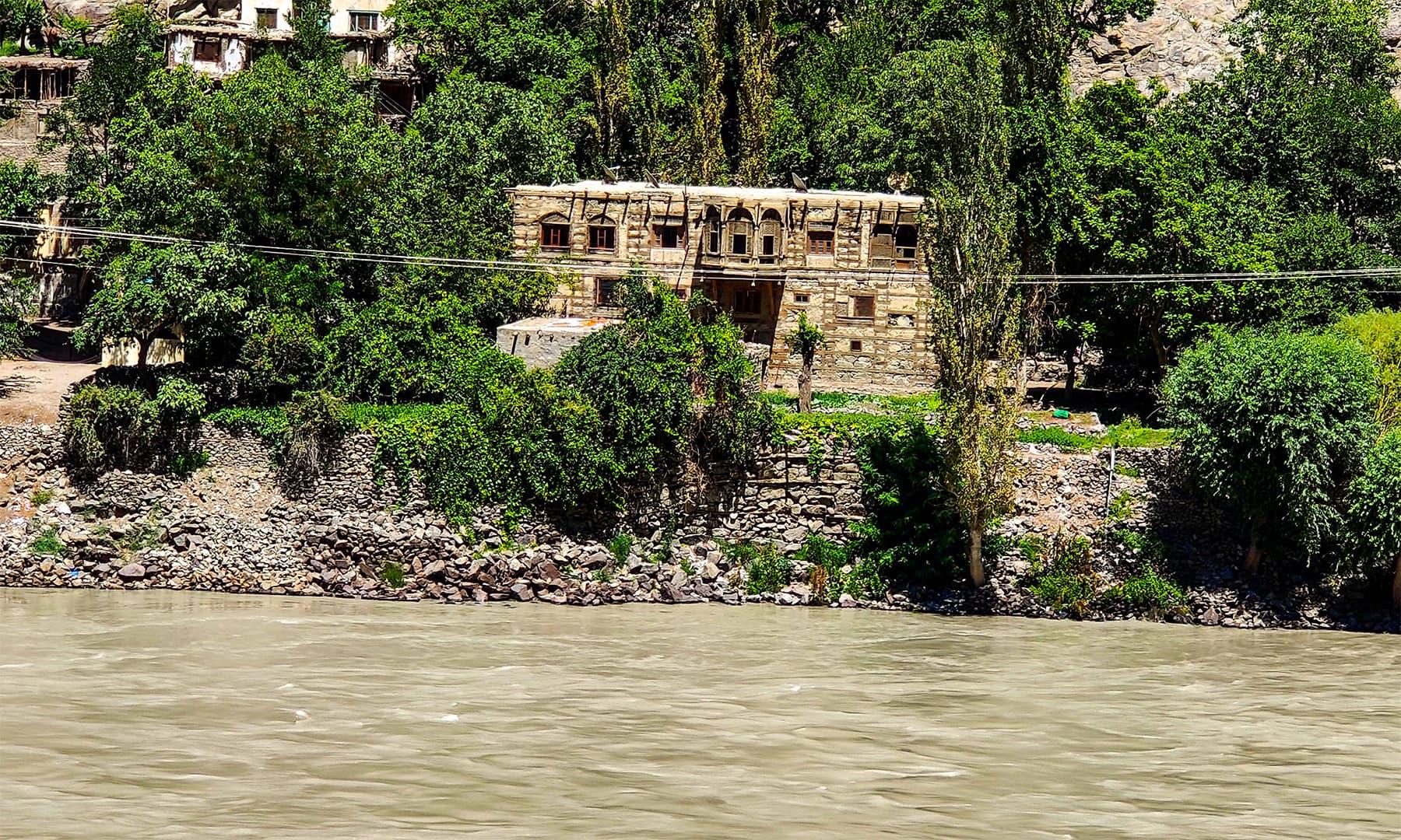 کھرمنگ قلعہ