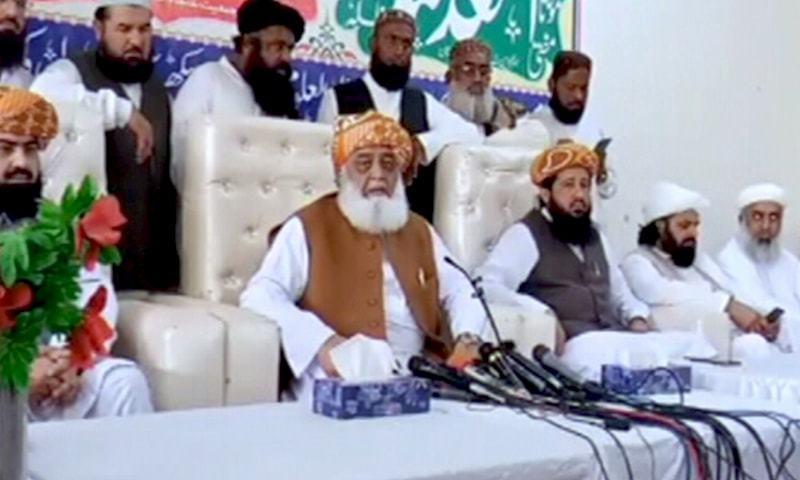 Jamiat Ulema-i-Islam (Fazl) chief Maulana Fazlur Rehman addresses the media on Tuesday. — DawnNewsTV