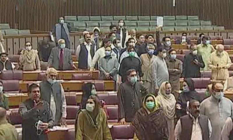 قومی اسمبلی میں اسپیکر قومی اسمبلی اور پیپلز پارٹی کے رکن کے درمیان تلخ کلامی ہوئی— فوٹو: ڈان نیوز