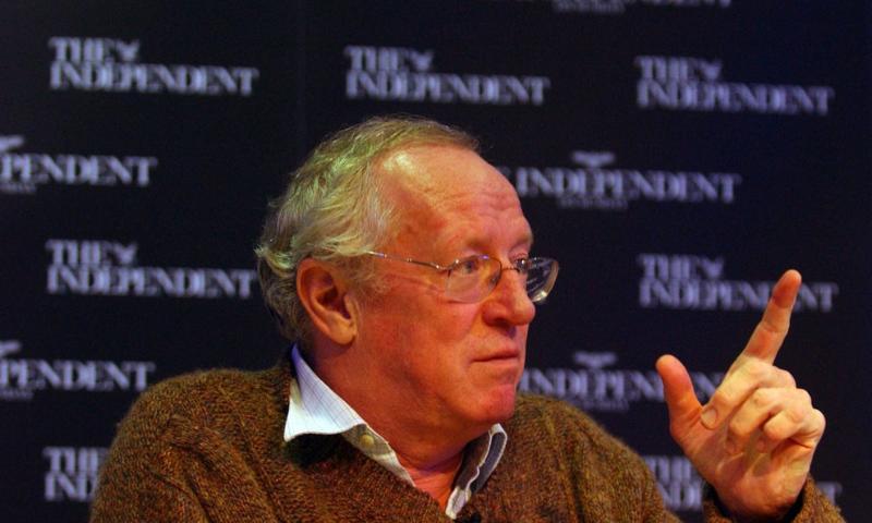 Veteran journalist Robert Fisk dies aged 74