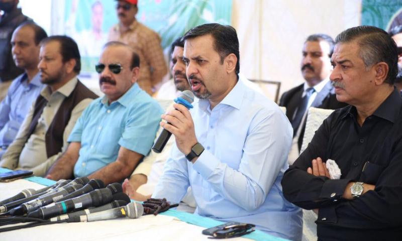 Pak Sarzameen Party (PSP) chairman Syed Mustafa Kamal addresses the media at the Bagh-i-Jinnah on Saturday. — Photo courtesy PSP Twitter