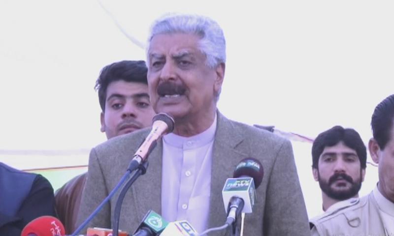 عبدالقادر بلوچ نے کہا کہ پارٹی قیادت نے بلوچستان کو فیصلوں میں نظر انداز کیا اور یتیموں کی طرح چھوڑ دیا گیا — فوٹو: ڈان نیوز
