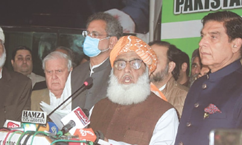 ISLAMABAD: Pakistan Democratic Movement president Maulana Fazlur Rehman speaks at a press conference after a meeting of the alliance on Sunday.—Online