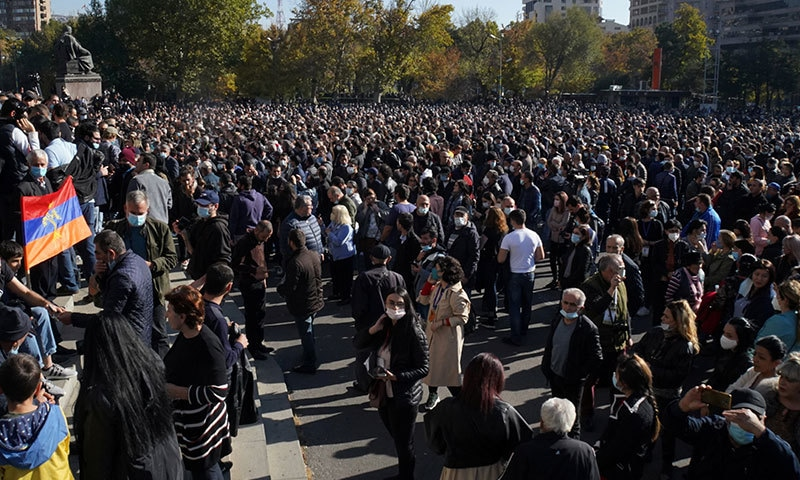 نیگورنو-کاراباخ جنگ بندی: آرمینیا کے وزیراعظم کے خلاف احتجاج، استعفے کا مطالبہ