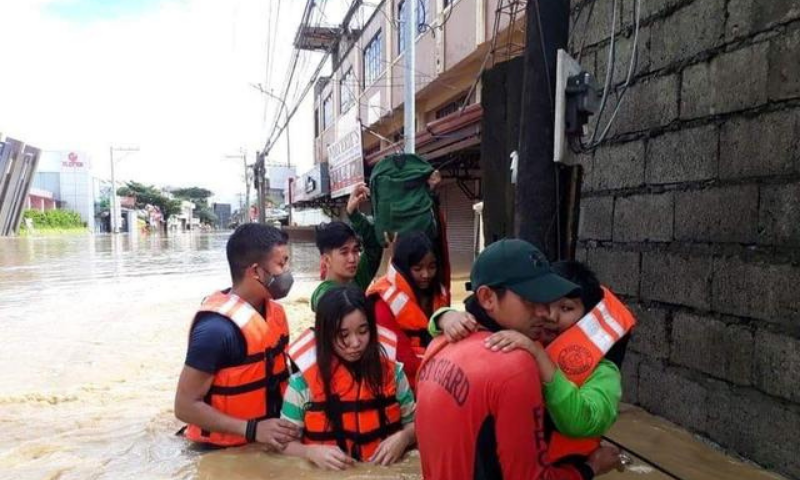 Philippine Coast Guard conduct a rescue operation, after Typhoon Vamco resulted in severe flooding, in the Cagayan Valley region in northeastern Philippines on Nov 13. — Reuters