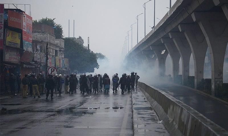 راولپنڈی: ٹی ایل پی کارکنان اور پولیس میں تصادم، صورتحال کشیدہ