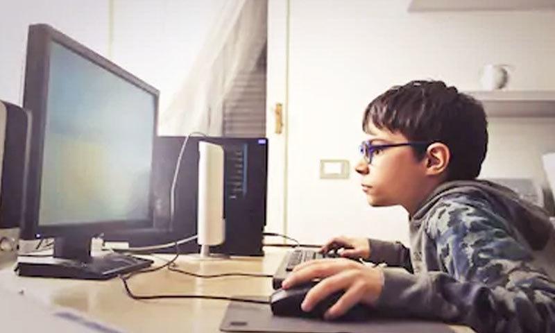 گیمنگ ڈس آرڈر کو سمجھنا عام والدین کے لیے مشکل ہے—فائل فوٹو: شٹر اسٹاک