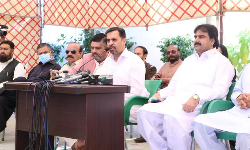 Pak Sarzameen Party chairman Syed Mustafa Kamal addresses a press conference on Monday. — Photo courtesy PSP Twitter