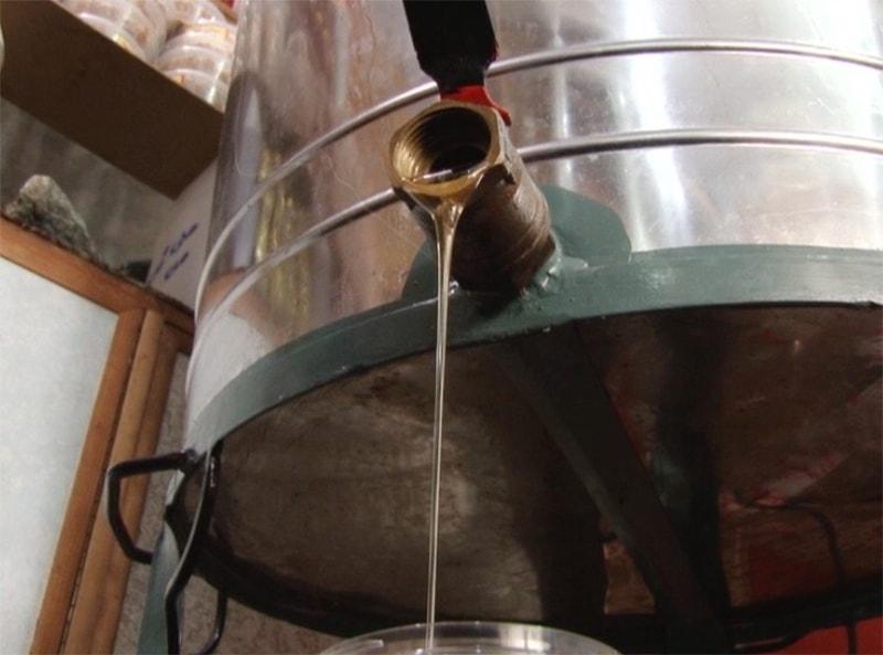 صوبہ خیبر پختونخوا میں سالانہ 15 ہزار ٹن شہد کی پیداوار ہوتی ہے