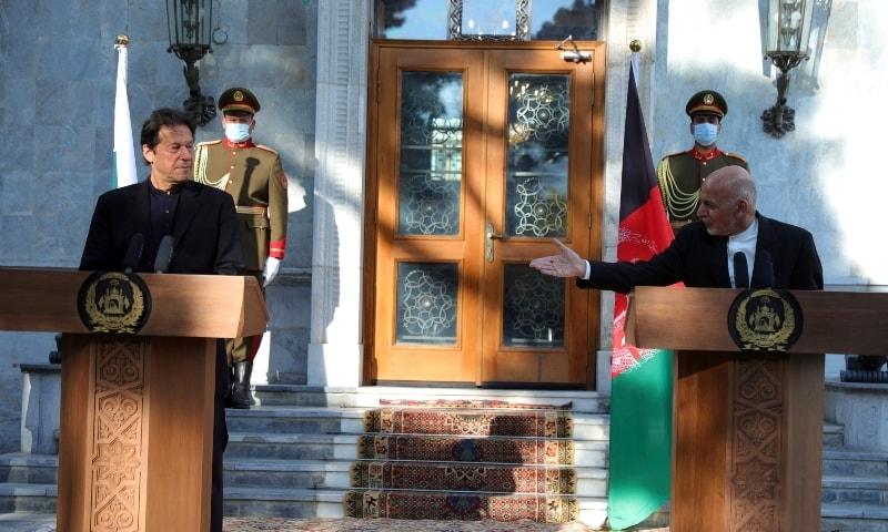 Afghan President Ashraf Ghani, right, and Prime Minister Imran Khan attend a joint news conference at the Presidential Palace in Kabul on Nov 19. — AP