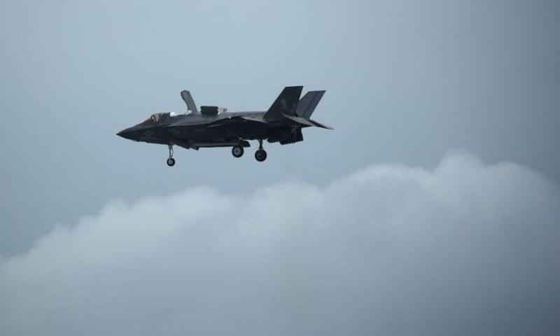 3 امریکی سینیٹرز نے متحدہ عرب امارات کو ایف 35 طیاروں کی فروخت روکنے کے لیے قرار داد پیش کردی۔  - فائل فوٹو:اے ایف پی