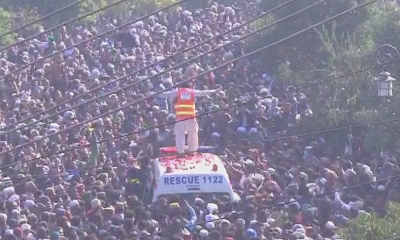 خادم حسین رضوی کا جسد خالی ایمبولنس میں لایا گیا—اسکرین شاٹ
