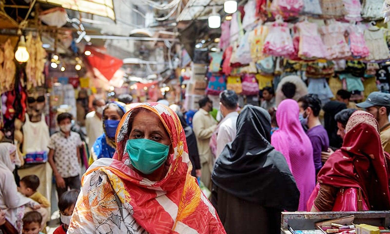 ٹیسٹ کرانے والے ہر 100 پاکستانیوں میں سے 7 کورونا کے مریض