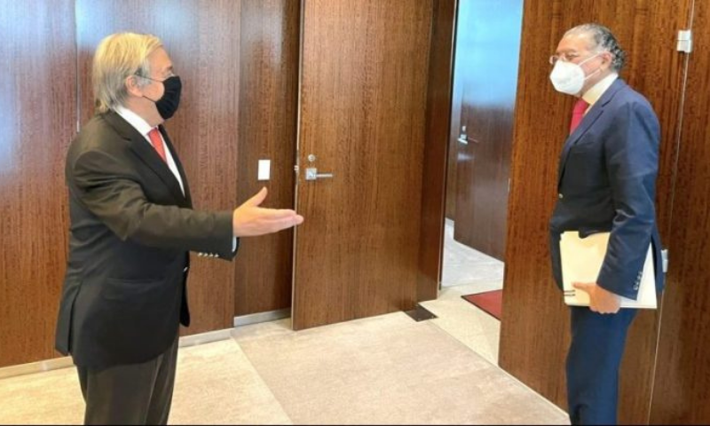 Pakistan's envoy to the UN Munir Akram meets United Nations Secretary-General Antonio Guterres on Tuesday. — APP