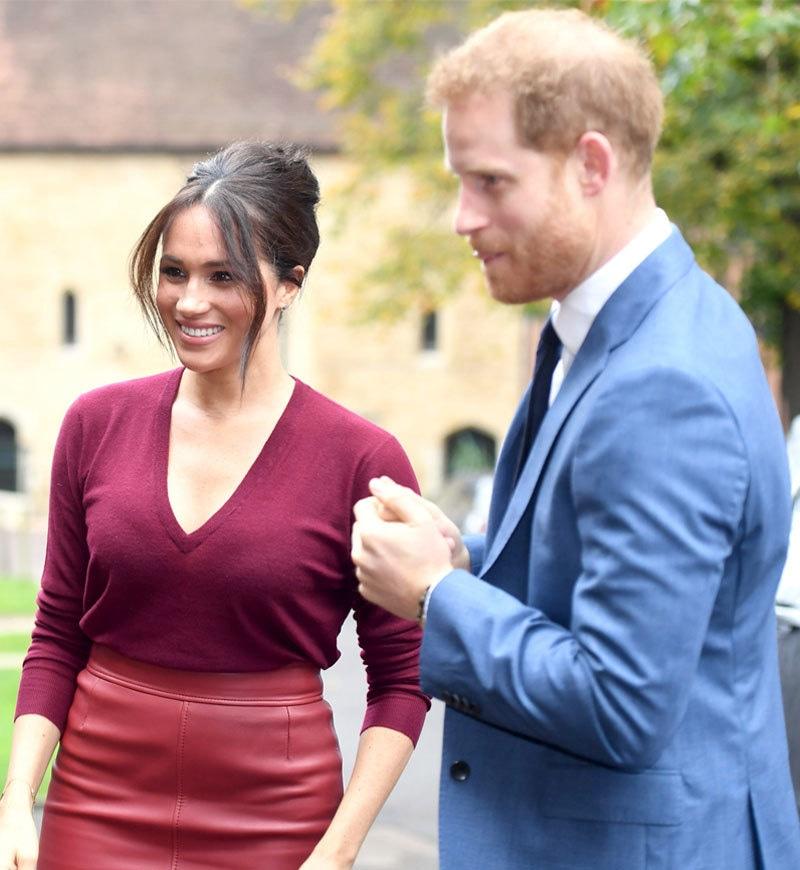 دونوں نے مئی 2018 میں شادی کی تھی اور مارچ 2020 میں شاہی حیثیت سے دستبرداری کرلی تھی—فائل فوٹو: اسپلاش نیوز