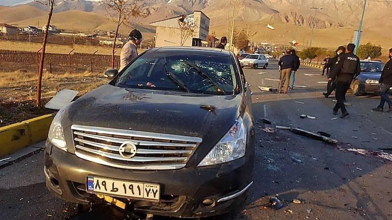 ایران کے سرکاری میڈیا کا کہنا تھا کہ مسلح افراد نے محسن فخری زادہ کی گاڑی پر فائرنگ کی — فوٹو: اے ایف پی