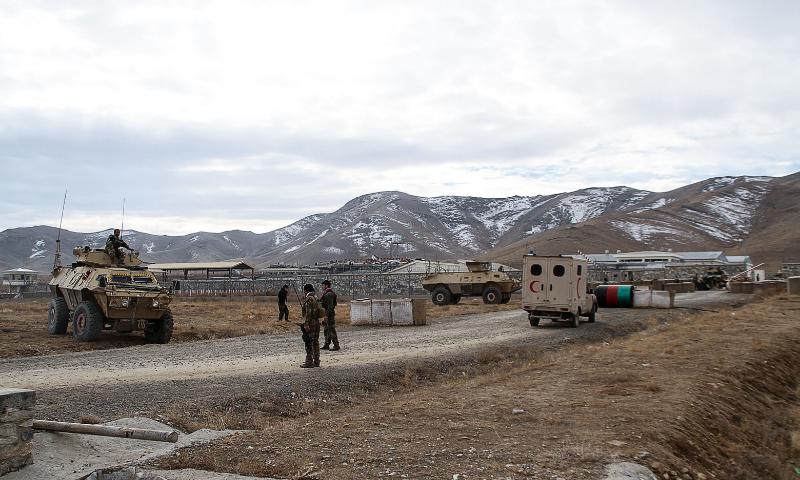افغانستان: فوجی اڈے پر خودکش حملہ، 30 سیکیورٹی اہلکار ہلاک