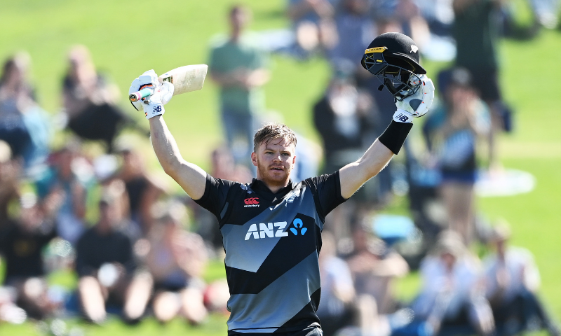 Phillips blasts fastest T20 century for NZ - Newspaper - DAWN.COM