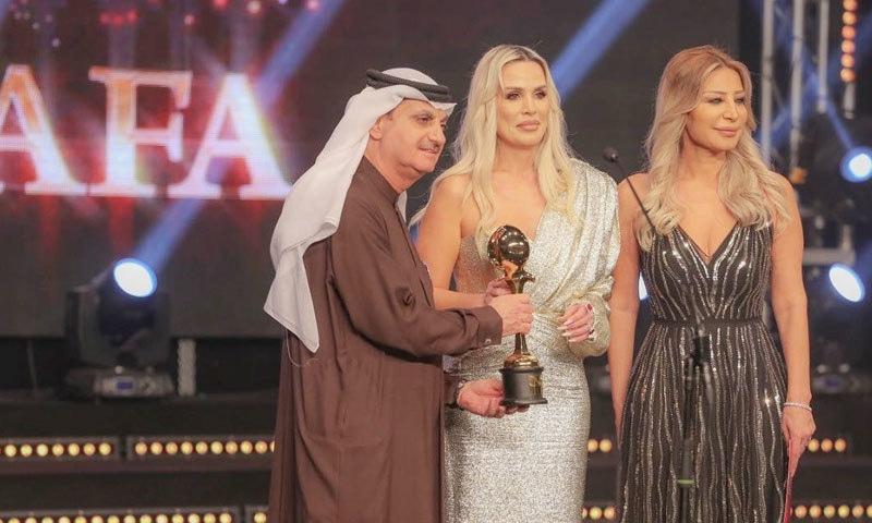 سجل علی عرب ایوارڈ جیتنے میں کامیاب