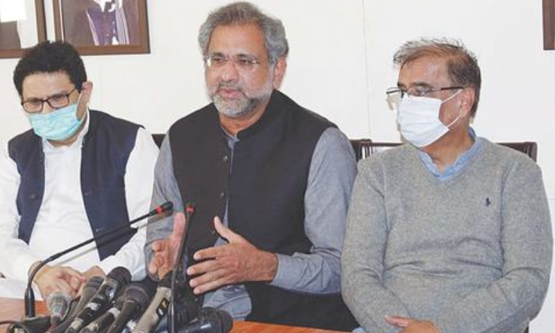 Former prime minister Shahid Khaqan Abbasi speaks at Muslim League House on Monday.—PPI